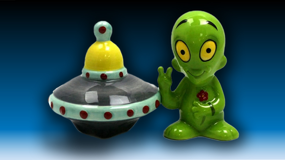 Alien and His UFO Salt & Pepper Shakers