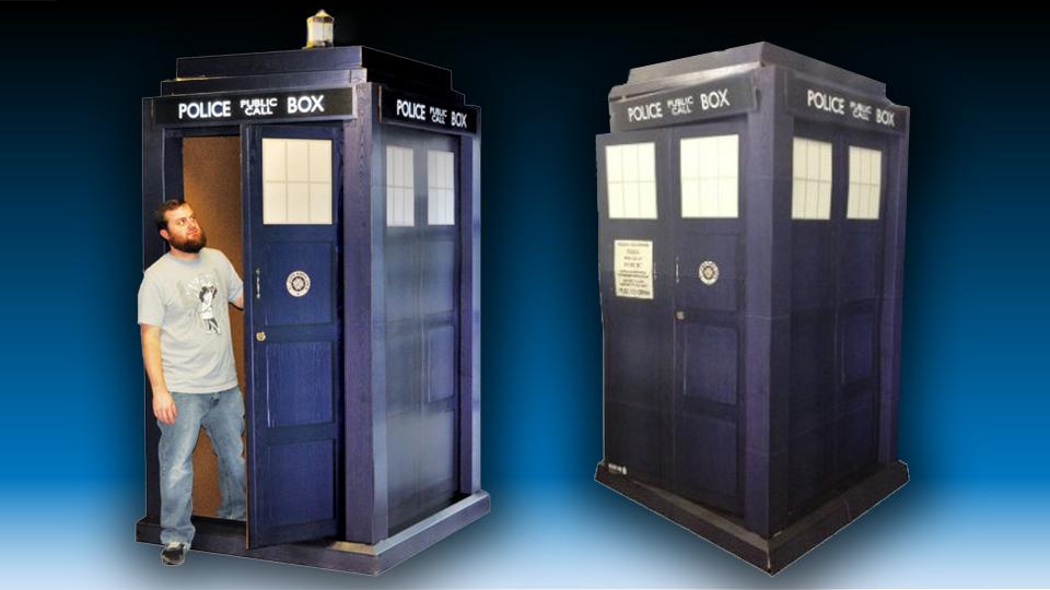 3D TARDIS Cardboard Standup