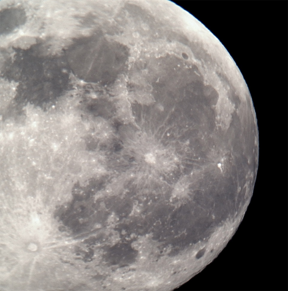 How to Photograph the Moon with Your iPhone
