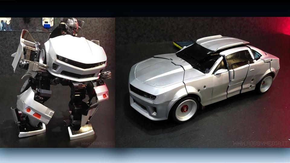 Transforming RC Robot from Takara Tomy