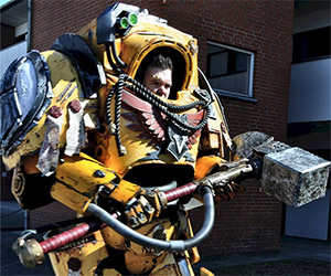 Awesome Warhammer 40K Costume