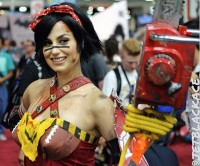 atomic_wonder_woman_cosplay_2