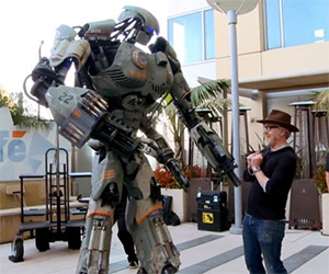 Giant Robot Costume Storms Comic-Con
