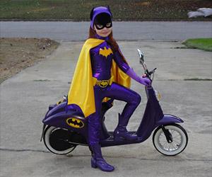 Incredibly Cute Batgirl Cosplay