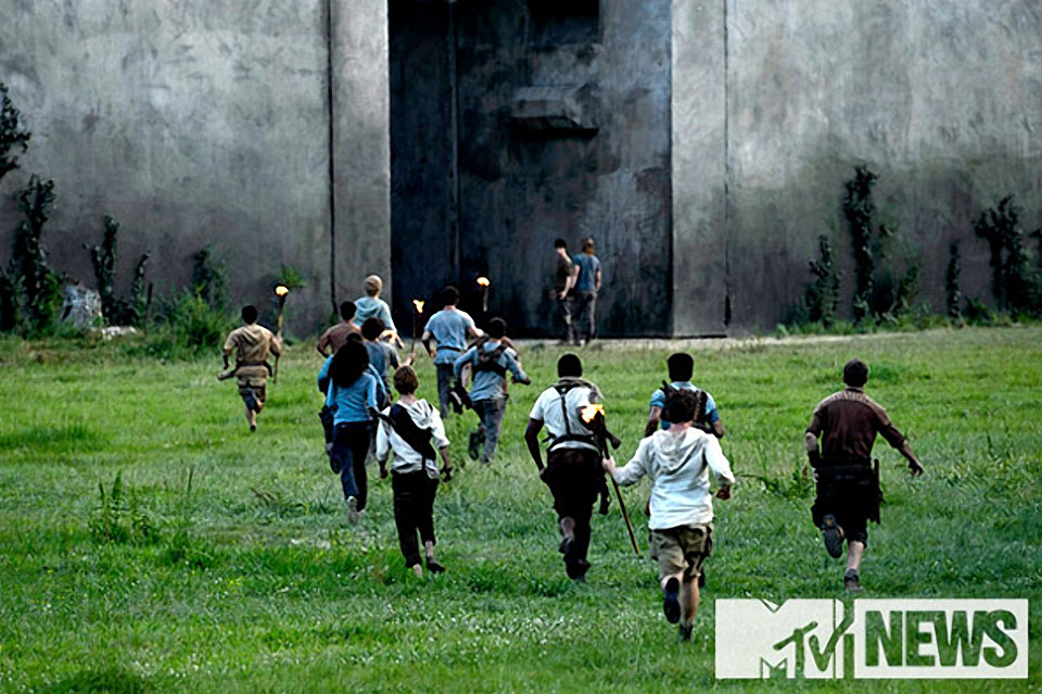 First Look at Upcoming Maze Runner Film Adaptation