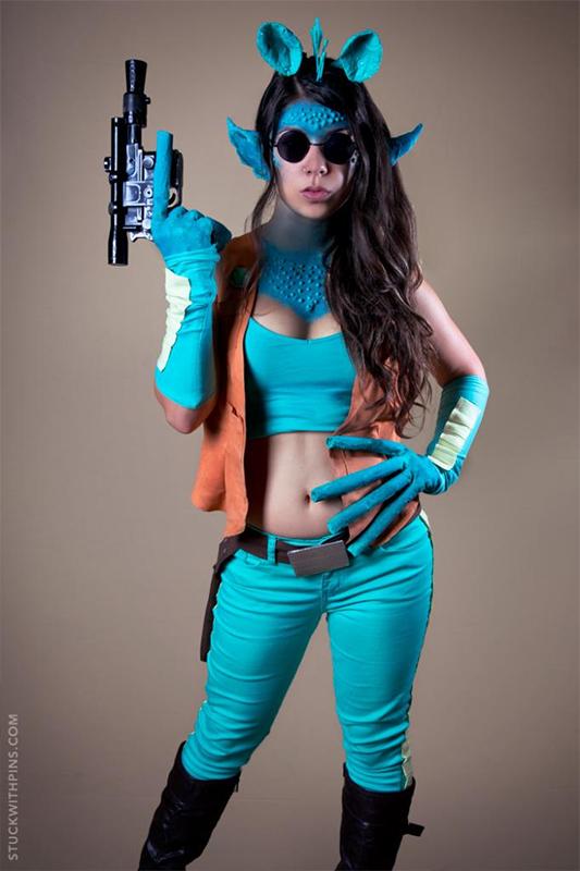 corinne_alexandra_greedo_cosplay_2