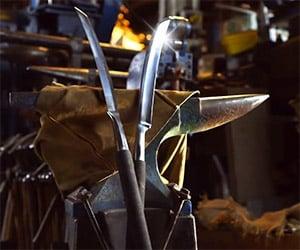 Blacksmith Crafts Hit Girl's Detachable Sword