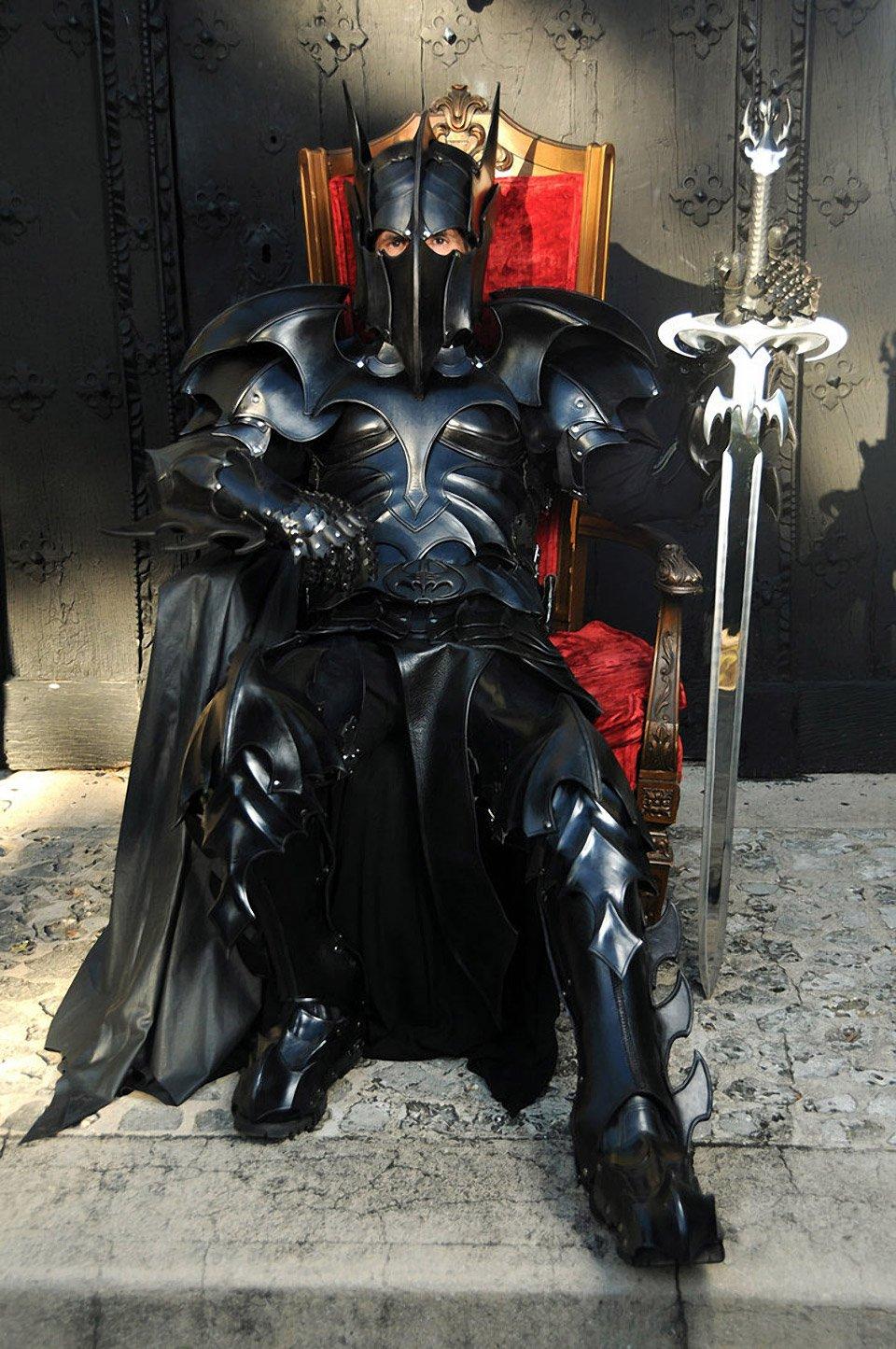 Medieval Batman Armor: The Dark - 369.7KB