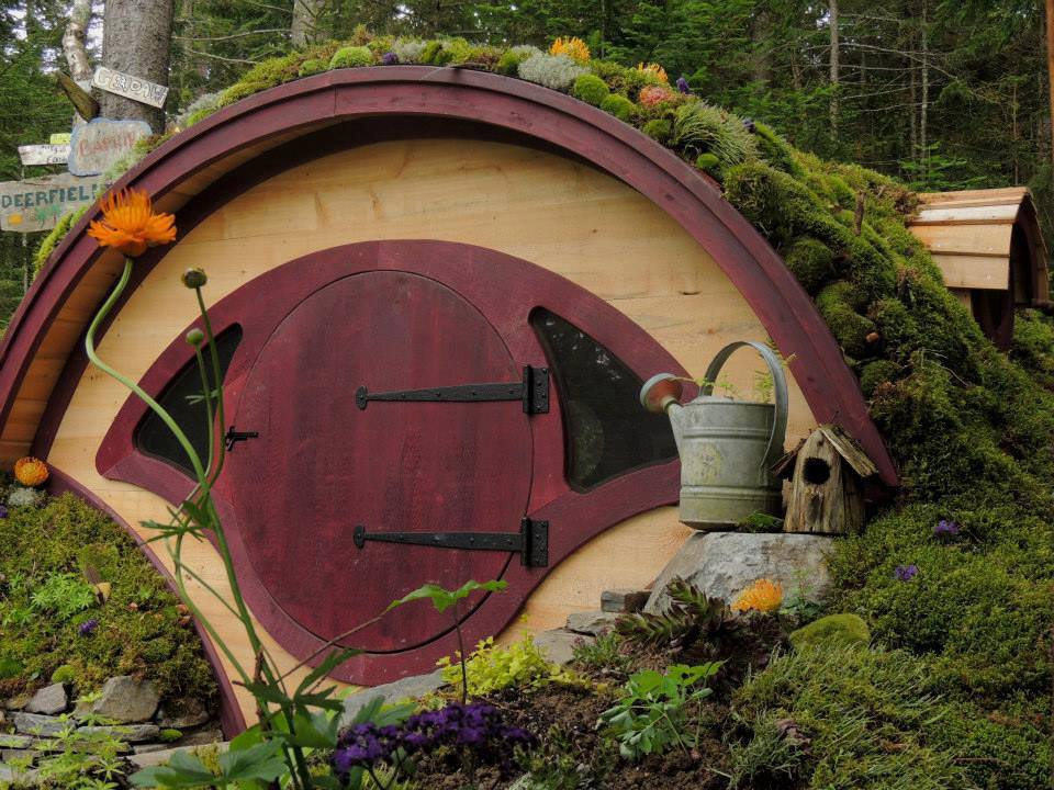 Own Your Own Hobbit Hole Playhouse Mightymega