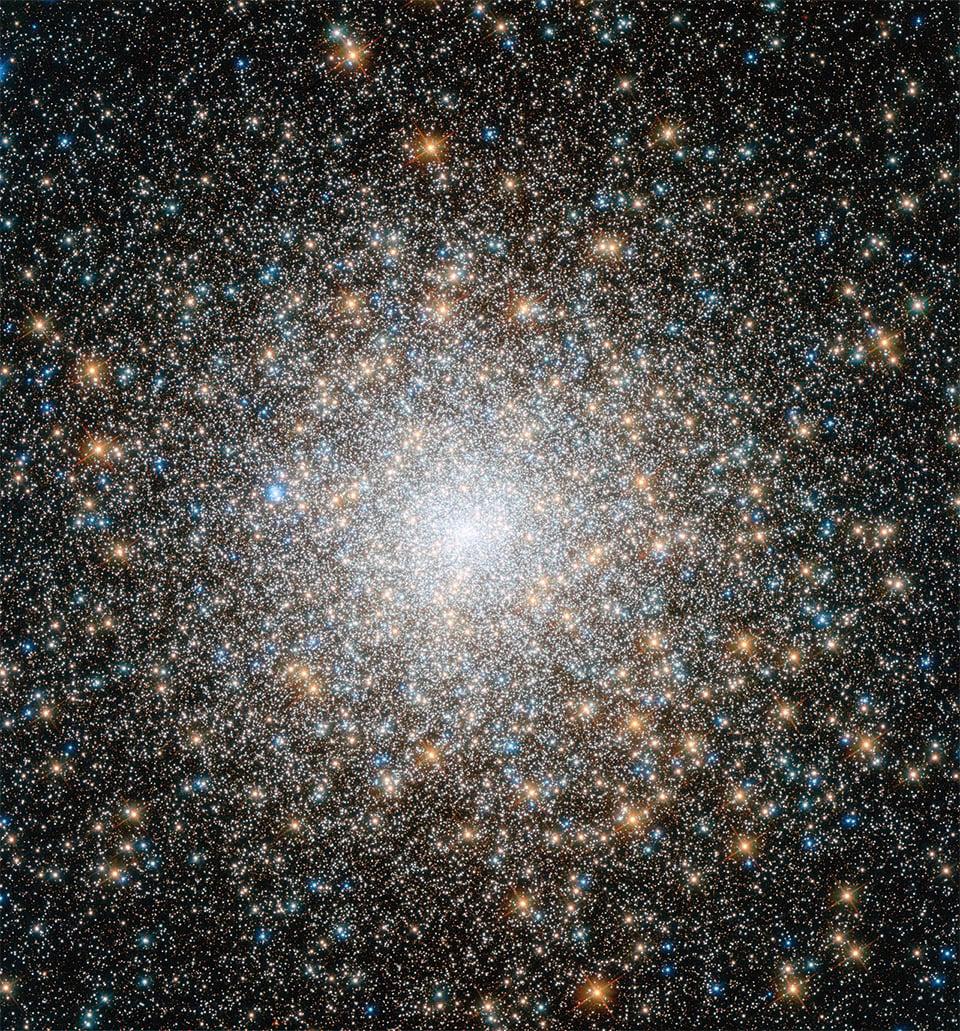 Incredible Image Taken of Super-Dense Star Cluster