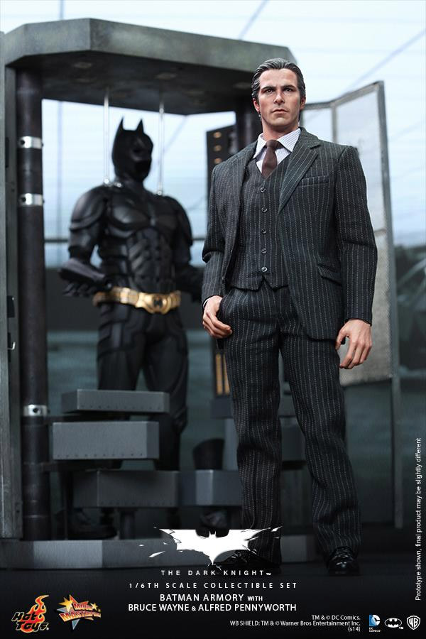 hot_toys_batman_collectible_armory_4