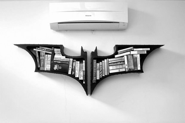 batman_dark_knight_bookshelves_1