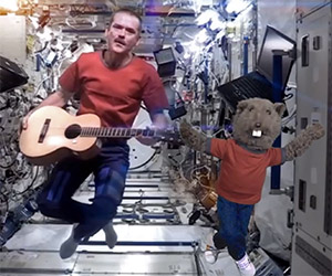 Puppets & Astronaut Sing Bowie's Space Oddity