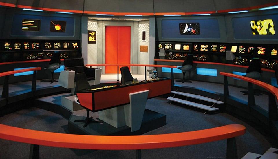 Girl Spends $30,000 Creating a Star Trek Home