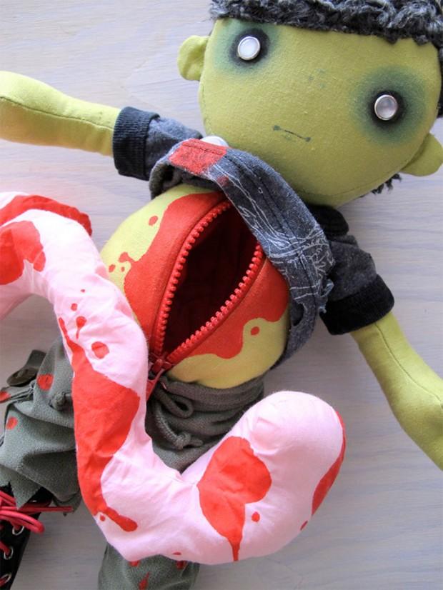 charlotte_and_stewart_zombie_dolls_2