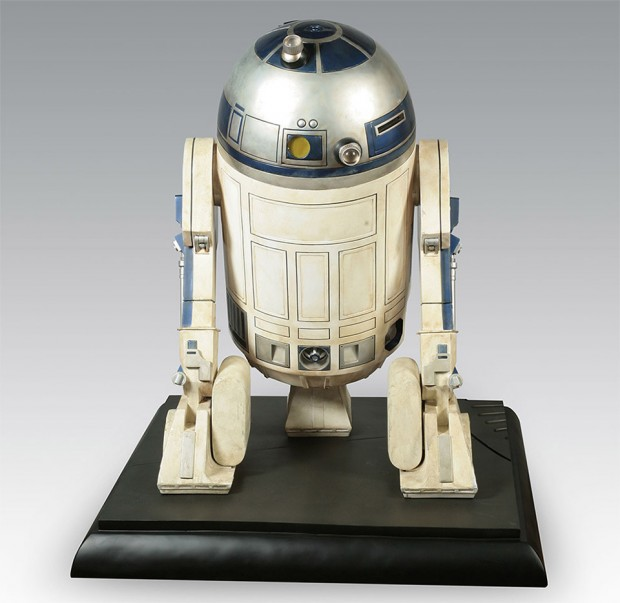 full_size_r2_d2_collectible_1