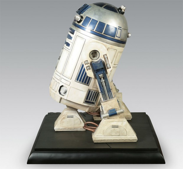 full_size_r2_d2_collectible_3