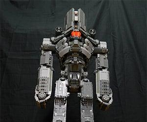 Giant Pacific Rim LEGO Cherno Alpha