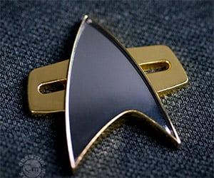 Star Trek Voyager: Communicator Badge Replica