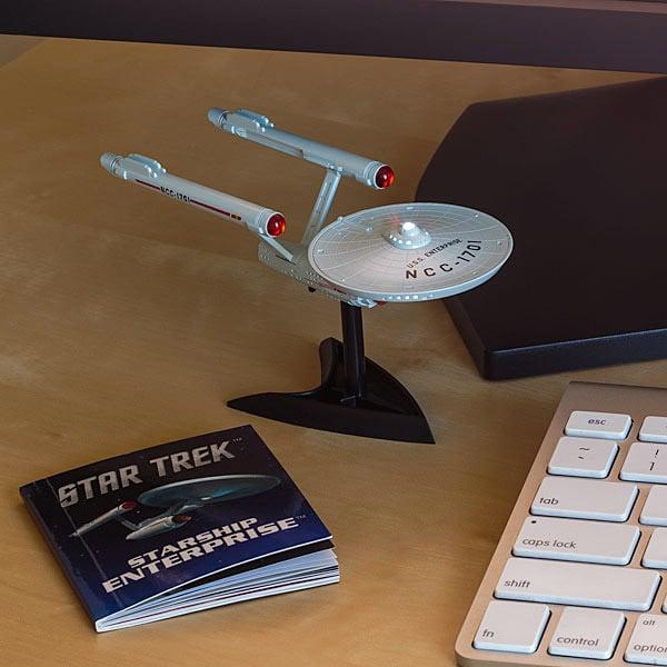 star_trek_enterprise_desktop_model_1