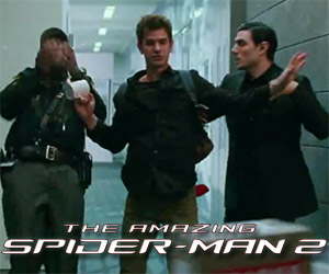 The Amazing Spider-Man 2: Peter Parker is All Thumbs