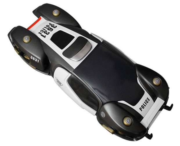 total_recall_flying_police_car_replica_4