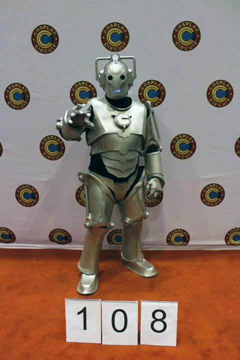wizard_con_2014_cyberman_cosplay_2