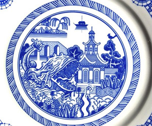 Blue Willow Calamitywear Plates