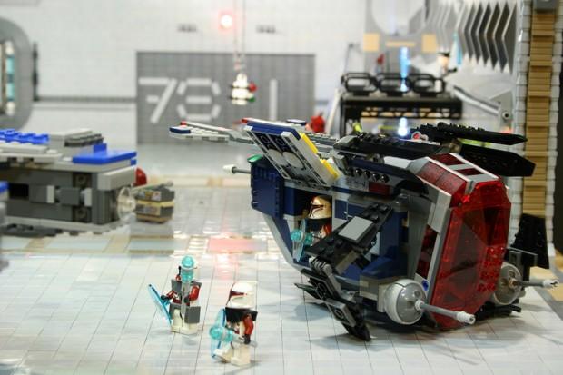 lego_millennium_falcon_stellar_envoy_4