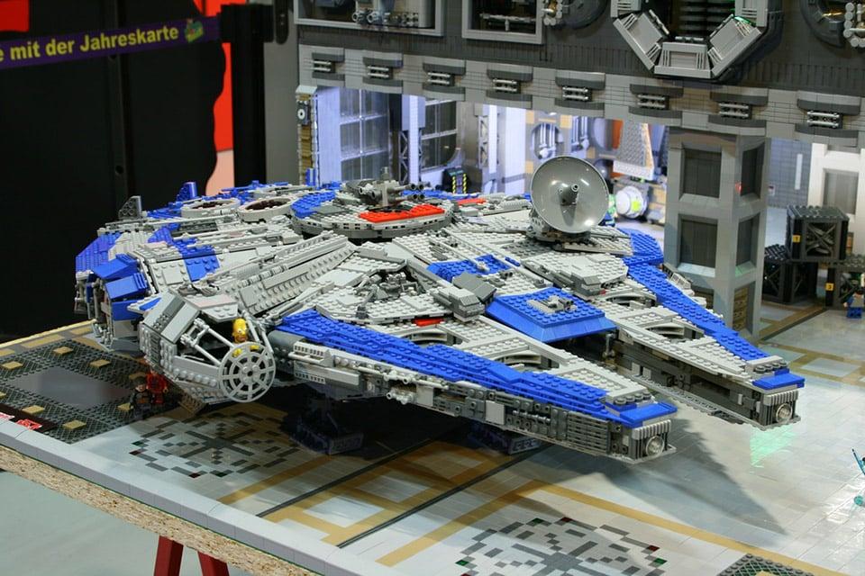 Awesome LEGO Millennium Falcon and Senate Bay