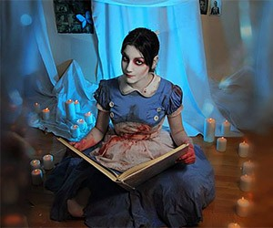 Disturbing Bioshock Little Sister Cosplay
