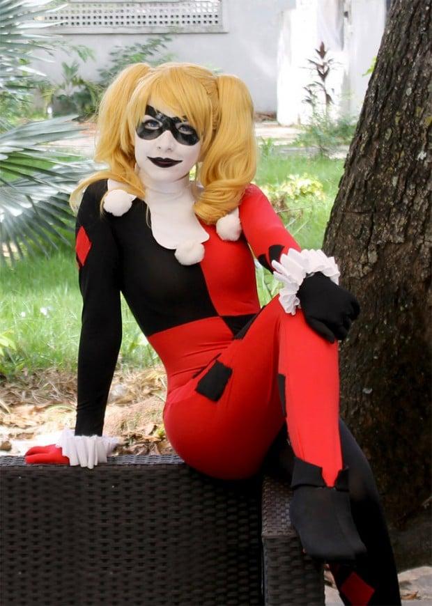 harley_quinn_behind_bars_cosplay_1