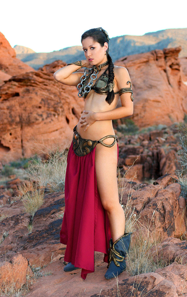 scruffy_rebel_slave_leia_cosplay_1