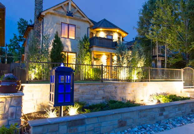 doctor_who_tardis_lending_library_4