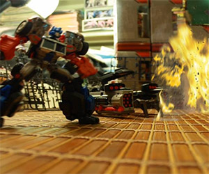 Attack on Giant: Awesome Transformers Stop Motion