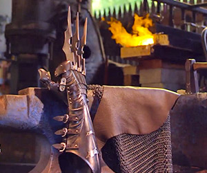 Man at Arms Creates Batman's Wolverine Claws