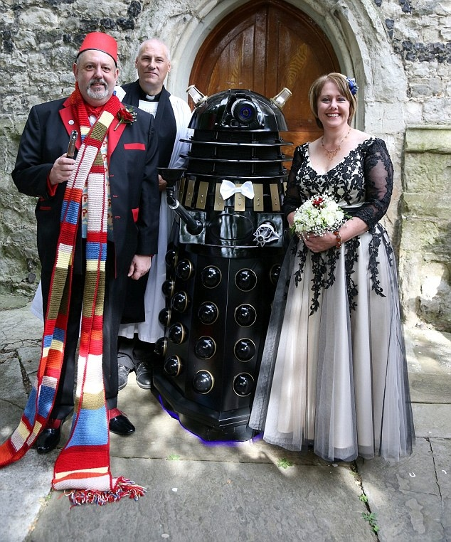 May The Fourth Be With You Wedding Favors: Couple Renews Vows With Dalek As Best Man