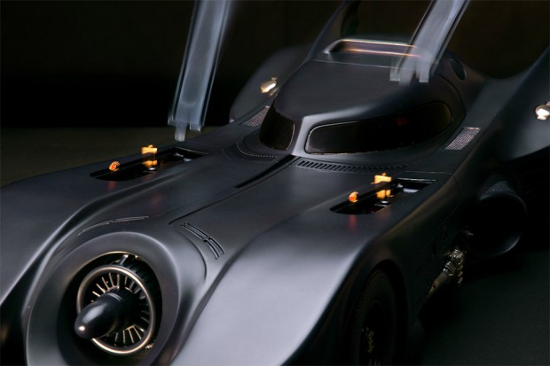 mechanical_1989_batmobile_5