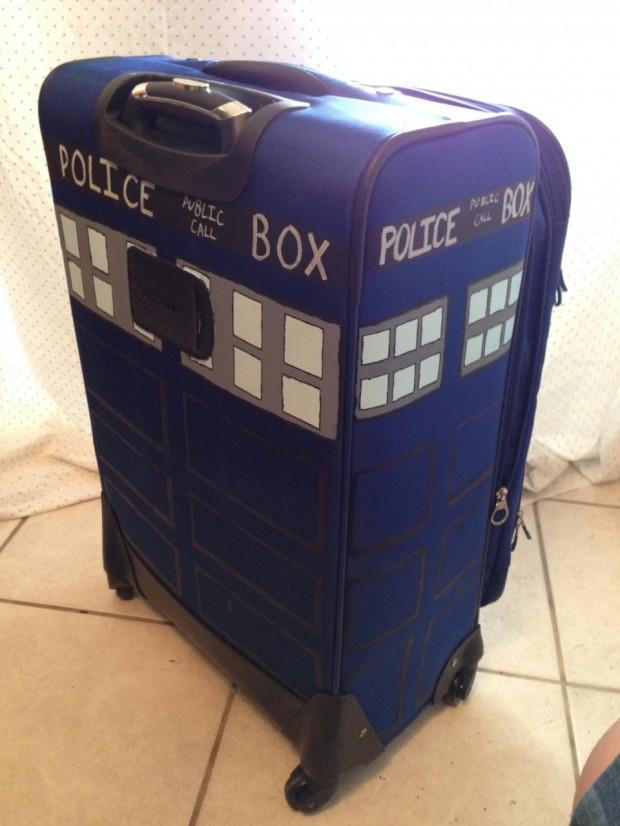 tardis_suitcase_1