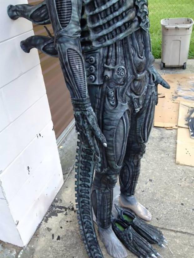 alien_costume_2