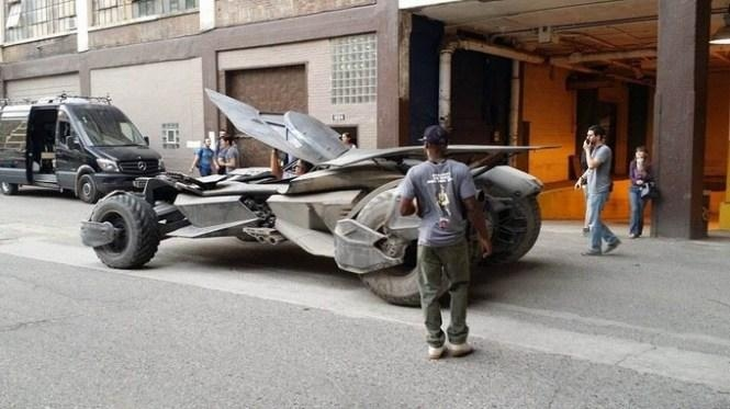Leaked Batmobile Pics from Batman v Superman Set