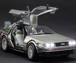 1/6th Scale BTTF DeLorean is Super Detailed