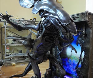 Alien Queen and Her Eggs Turn up on eBay