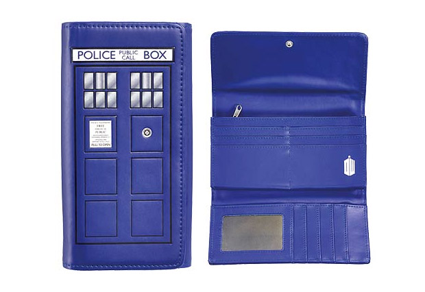 TARDIS Ladies Wallet: More Credit Cards on the Inside