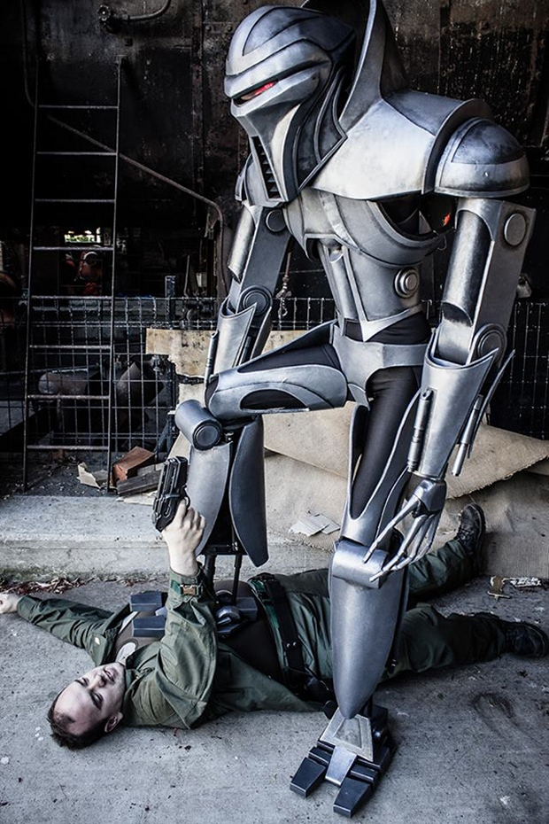 Amazing Cylon Centurion Cosplay