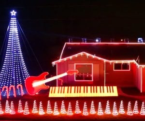 This Star Wars Christmas Light Show Is the Best