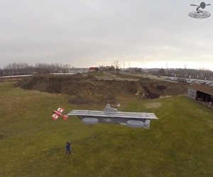 Landing R/C Planes on a Flying Avengers Helicarrier