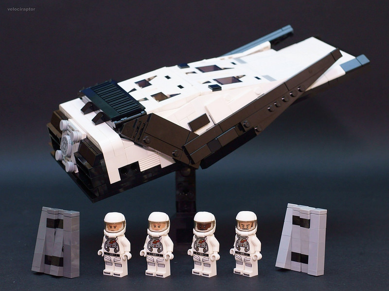 LEGO Interstellar Ship with Minifigs