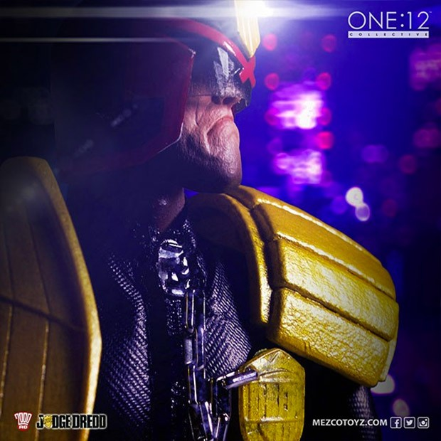 judge_dredd_action_figure_2