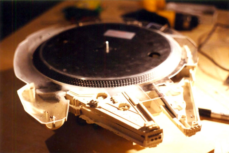 Millennium Falcon Record Player Plays the Smuggler's Blues